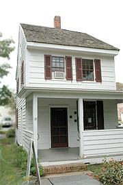 colonialhouse