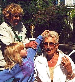2000 Lima Bean Queen June Tortorelli of Freehold, New Jersey, being crowned by outgoing queen Izabela Lotozo.
