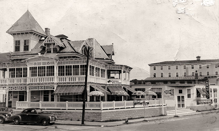 Where Arnold's once stood, you can now find Carney's Restaurant and Bar and a mini golf course.
