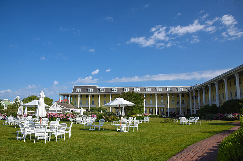 Congress Hall as seen from the grand lawn