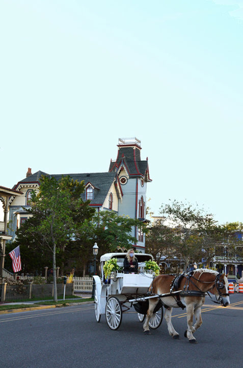 Horse & Carriage turning from Gurney Street