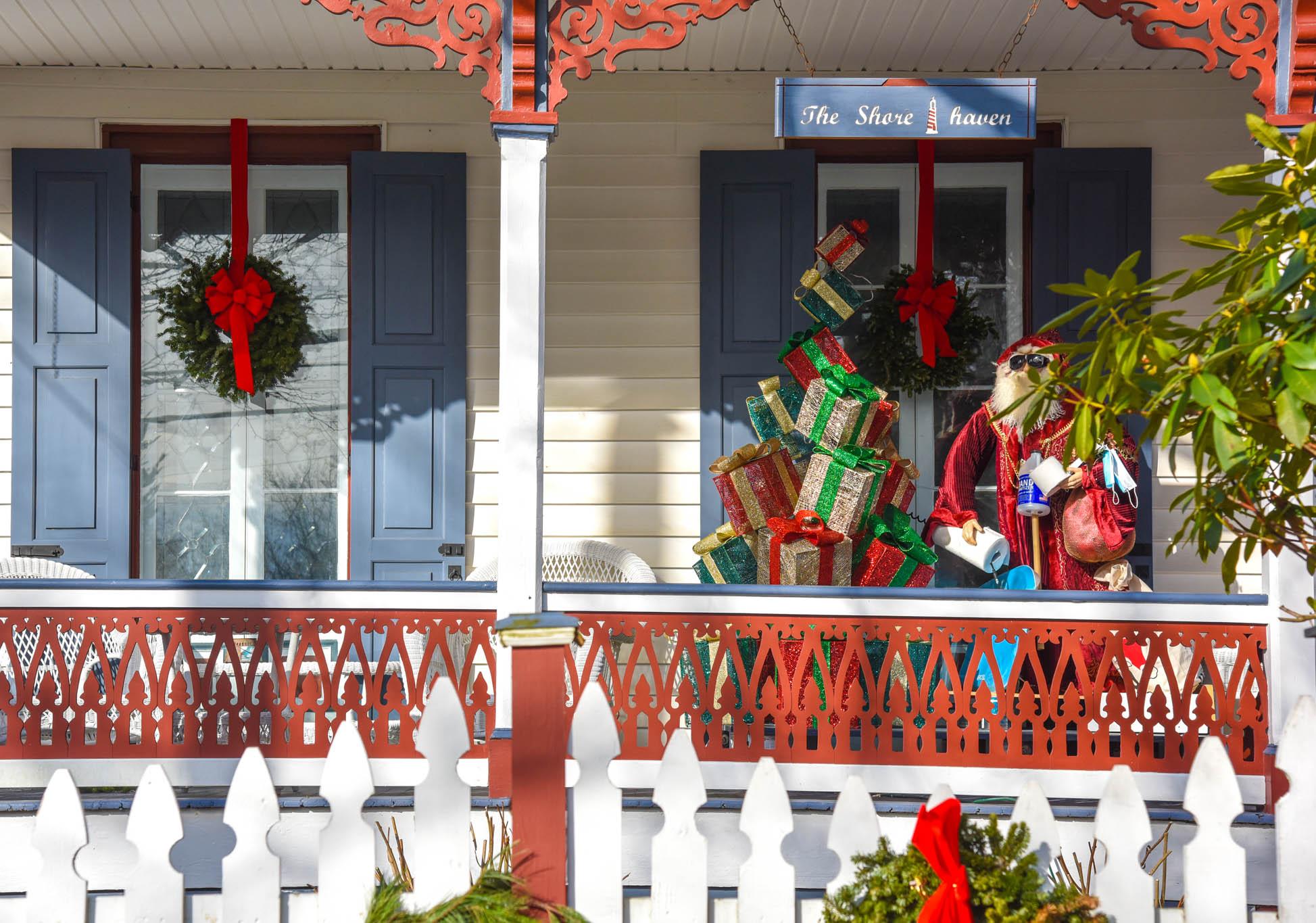Porch, Santa, 2020